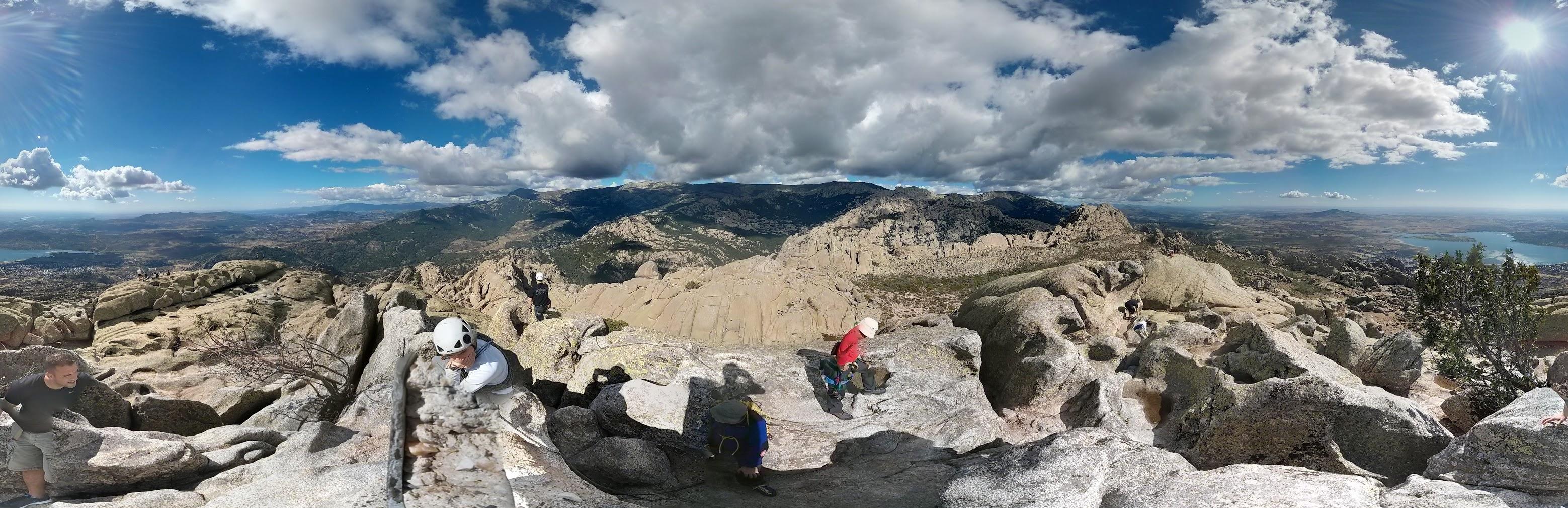 La cima de El Yelmo